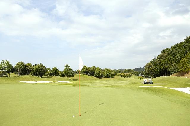 ゴルフコンペの景品予算目安表―7組28人の場合―