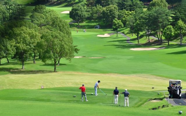 ゴルフコンペの景品予算目安表―4組16人の場合―