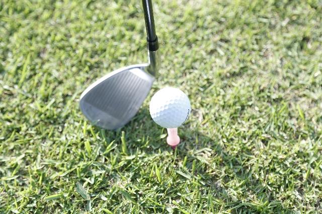 ゴルフコンペの景品予算目安表―8組32人の場合―